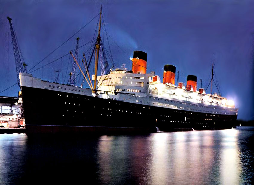The Superb Queen Mary At Long Beach California U S A