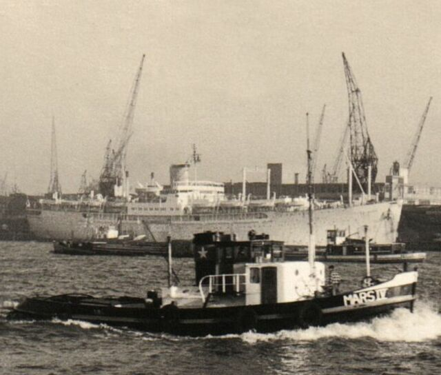 Ms Seven Seas Frans Mast Sails To New York In 1957